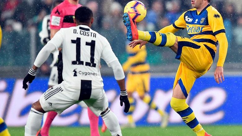 Juventus winger Douglas Costa unhurt after car crash