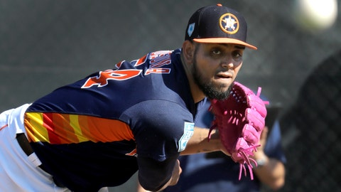 <p>               Houston Astros pitcher Roberto Osuna throws a bullpen session during spring training baseball practice Friday, Feb. 15, 2019, in West Palm Beach, Fla. (AP Photo/Jeff Roberson)             </p>