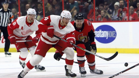 <p>               Ottawa Senators' Zack Smith (15) races for the puck against Detroit Red Wings' Gustav Nyquist (14) during first-period NHL hockey game action in Ottawa, Saturday, Feb. 2, 2019. (Fred Chartrand/The Canadian Press via AP)             </p>