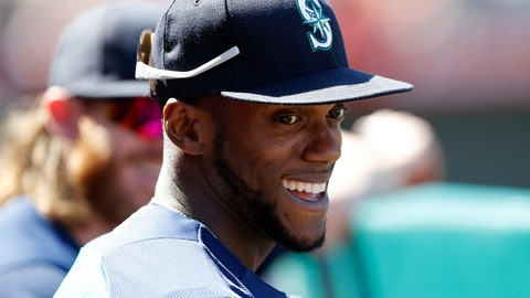 <p>               FILE - In this Sunday, Sept. 16, 2018 file photo, Seattle Mariners' Cameron Maybin smiles with a teammate in the dugout during the fourth inning of a baseball game in Anaheim, Calif. A person with direct knowledge of the negotiations says free agent outfielder Cameron Maybin is closing in on a minor league contract with the San Francisco Giants, who were still in the market for outfielders to add depth at the position. Maybin must pass a physical, the person said Saturday, Feb. 16, 2019, speaking on condition of anonymity because the deal wasn't complete. The agreement would have an invitation to major league camp at spring training. (AP Photo/Alex Gallardo, File)             </p>