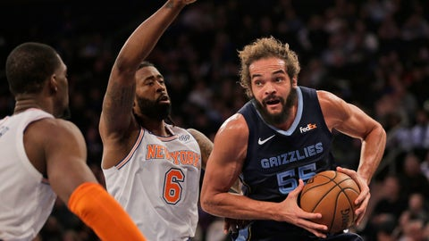 <p>               Memphis Grizzlies' Joakim Noah, right, drives to the basket during the first half of an NBA basketball game against the New York Knicks, Sunday, Feb. 3, 2019, in New York. (AP Photo/Seth Wenig)             </p>