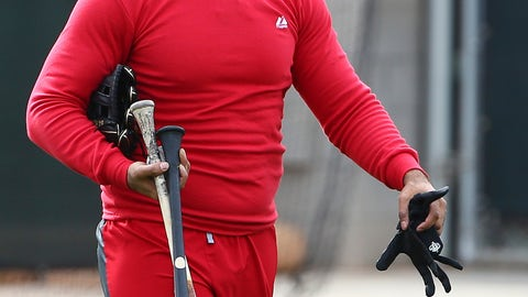 <p>               Cincinnati Reds' Matt Kemp heads back to the locker room after completing his voluntary workout at the Reds spring training baseball facility, Wednesday, Feb. 13, 2019, in Goodyear, Ariz. (AP Photo/Ross D. Franklin)             </p>