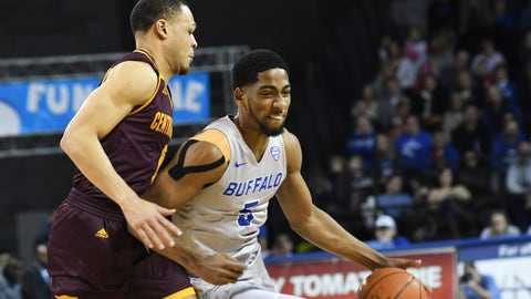 <p>               Buffalo's C.J. Massinburg, right, drives past Central Michigan's Larry Austin, Jr., during an NCAA college basketball game in Buffalo, N.Y., Saturday, Feb. 9, 2019. (AP Photo/Heather Ainsworth)             </p>