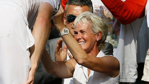 <p>               FILE - In this file photo dated Sunday, July 7, 2013, Andy Murray of Britain, left, greets his mother Judy after defeating Novak Djokovic of Serbia during the Men's singles final match at the All England Lawn Tennis Championships in Wimbledon, London. Andy Murray is currently recovering from hip surgery, and his mother Judy said Thursday Feb. 21, 2019, she thinks the two-time Wimbledon champion still has a chance of making a return.(AP Photo/Kirsty Wigglesworth, FILE)             </p>