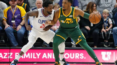 <p>               Los Angeles Clippers guard Patrick Beverley (21) guards Utah Jazz guard Donovan Mitchell (45) in the first half during an NBA basketball game Wednesday, Feb. 27, 2019, in Salt Lake City. (AP Photo/Rick Bowmer)             </p>