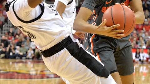 <p>               Louisville guard Jazmine Jones, left, takes a charge from Syracuse guard Kadiatou Sissoko, right,during the first half of an NCAA college basketball game in Louisville, Ky., Thursday, Feb. 7, 2019. (AP Photo/Timothy D. Easley)             </p>