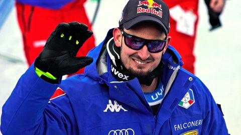 <p>               Italy's Dominik Paris waves at the finish area of a men's super G, at the ski World Championships in Are, Sweden, Wednesday, Feb. 6, 2019. (AP Photo/Giovanni Auletta)             </p>