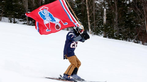 <p>               A fan of the New England Patriots NFL football team skis with a team flag at the Sugarloaf ski resort, Sunday, Feb. 3, 2019, in Carrabassett Valley, Maine. About 200 skiers took part to show their support for the Patriots prior to today's Super Bowl game against the Los Angeles Rams. (AP Photo/Robert F. Bukaty)             </p>