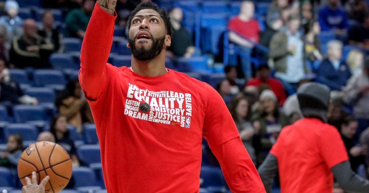 Pelicans balancing Davis' playing time with future concerns