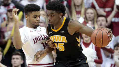 Hoosiers' conference struggles continue with 77-72 loss to No. 20 Iowa