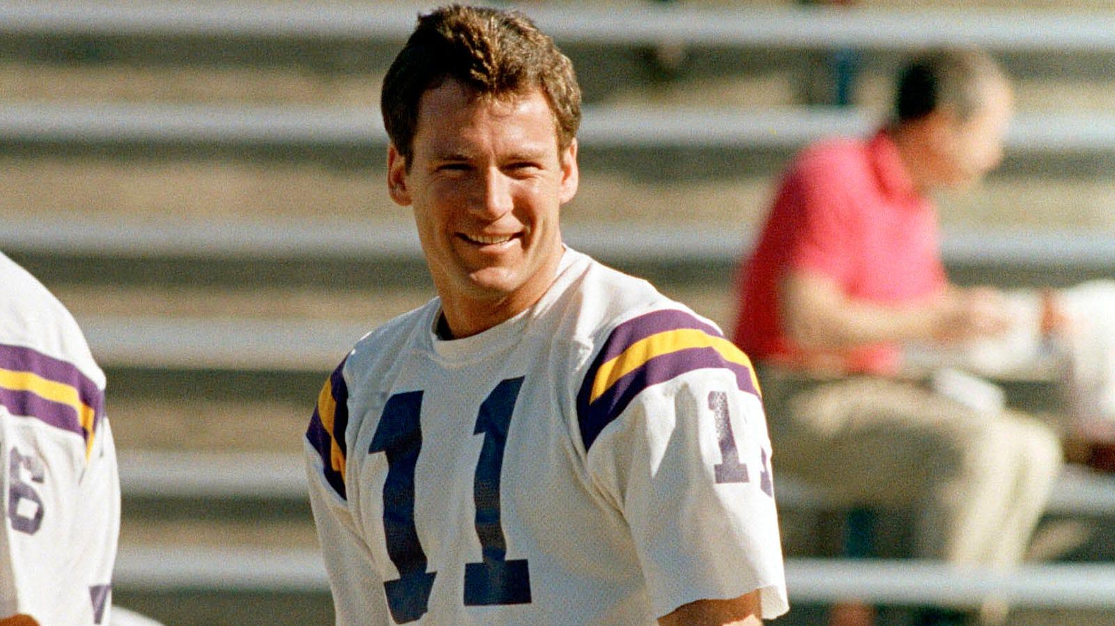 26fccf4f Former Vikings Pro Bowl QB Wilson dies at 60   FOX Sports