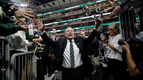 <p>               Michigan State head coach Tom Izzo thanks fans as he walks off after defeating Michigan 65-60 in an NCAA college basketball championship game in the Big Ten Conference tournament, Sunday, March 17, 2019, in Chicago. (AP Photo/Nam Y. Huh)             </p>