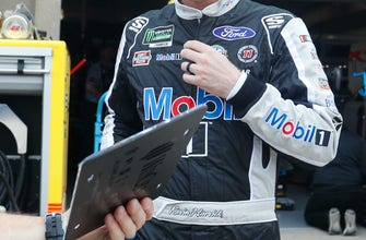 Harvick no plan for 2020 Fox TV booth if Waltrip retires