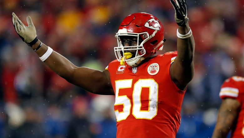 Colts add free agent Justin Houston to defensive line