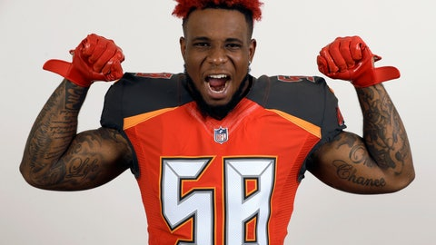 <p>               FILE - This is a June 6, 2018, file photo showing Tampa Bay Buccaneers outside linebacker Kwon Alexander during a studio photo session at the team training facility, in Tampa, Fla. The San Francisco 49ers have agreed to sign linebacker Kwon Alexander to a four-year contract worth $54 million. A person familiar with the contract said the sides came to an agreement Monday, March 11, 2019, soon after teams were allowed to contact pending unrestricted free agents. The person spoke on condition of anonymity because the deal can't be finalized until the new league year starts Wednesday. (AP Photo/Chris O'Meara, File)             </p>