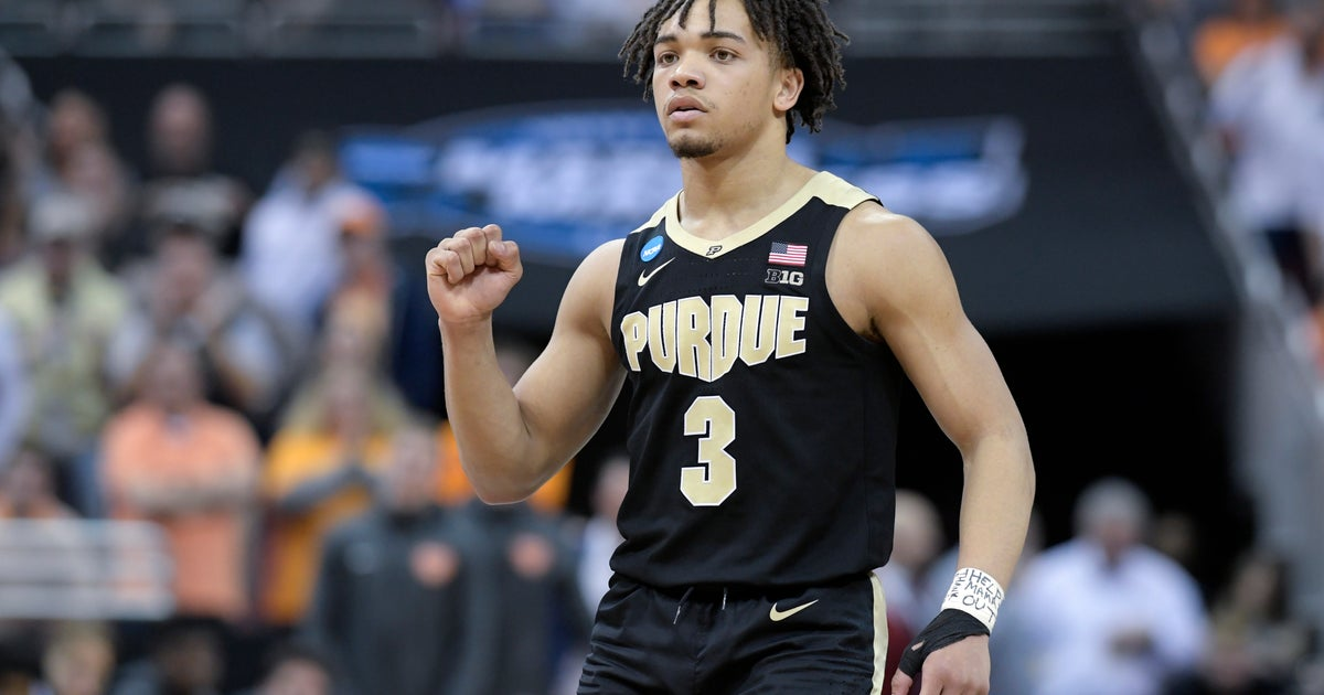 090de9c87ee Purdue s Carsen Edwards shooting into Steph Curry territory