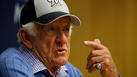 <p>               FILE - In this Friday, Oct. 12, 2018 file photo, Milwaukee Brewers sportscaster Bob Uecker speaks at a news conference before Game 1 of the National League Championship Series baseball game between the Milwaukee Brewers and the Los Angeles Dodgers in Milwaukee. Veteran Milwaukee Brewers radio broadcast Bob Uecker is touched that the team still considers him one of the boys. Last November, after the Brewers came within one game of going to the World Series, the players voted to give a full playoff share to Uecker, worth $123,000. Uecker donated the money to charity.  (AP Photo/Charlie Riedel, File)             </p>