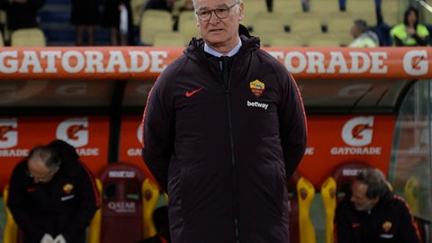 <p>               New Roma coach Claudio Ranieri enters the field prior to an Italian Serie A soccer match between Roma and Empoli, at the Olympic stadium in Rome, Monday, March 11, 2019. (AP Photo/Gregorio Borgia)             </p>