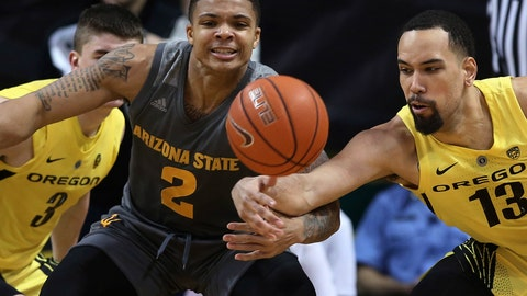 <p>               Oregon's Payton Pritchard, left, and Paul White, right, pressure Arizona State's Rob Edwards, center, during the second half of an NCAA college basketball game Thursday, Feb. 28, 2019, in Eugene, Ore. (AP Photo/Chris Pietsch)             </p>