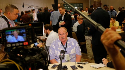 <p>               Kansas City Chiefs head coach Andy Reid speaks to the media during the NFC/AFC coaches breakfast during the annual NFL football owners meetings, Tuesday, March 26, 2019, in Phoenix. (AP Photo/Matt York)             </p>