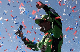 Jeff Gordon says Kyle Busch will go down as one of the greatest drivers of all time