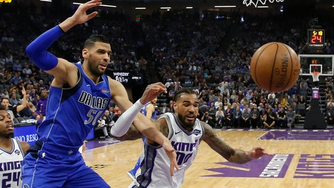 Warriors thought they had found consistency, but it vanished in Mavs loss