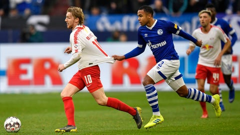 <p>               Schalke's Weston McKennie, right, holds Leipzig's Emil Forsberg during the German Bundesliga soccer match between FC Schalke 04 and RB Leipzig in Gelsenkirchen, Germany, Saturday, March 16, 2019. (AP Photo/Martin Meissner)             </p>