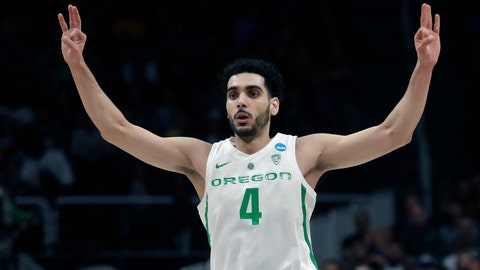 <p>               FILE - In this March 24, 2019, file photo, Oregon guard Ehab Amin gestures during a second-round game against UC Irvine  in the NCAA men's college basketball tournament, in San Jose, Calif. (AP Photo/Jeff Chiu, File)             </p>