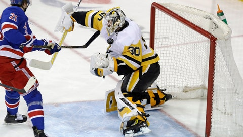 <p>               Pittsburgh Penguins goaltender Matt Murray (30) blocks a shot by New York Rangers center Brett Howden (21) with his body during the third period of an NHL hockey game in New York, Monday, March 25, 2019. The Penguins won 5-2. (AP Photo/Kathy Willens)             </p>