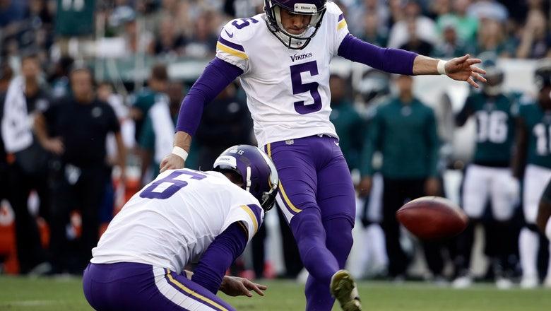 Still seeking stability at kicker, Vikings bring back Bailey