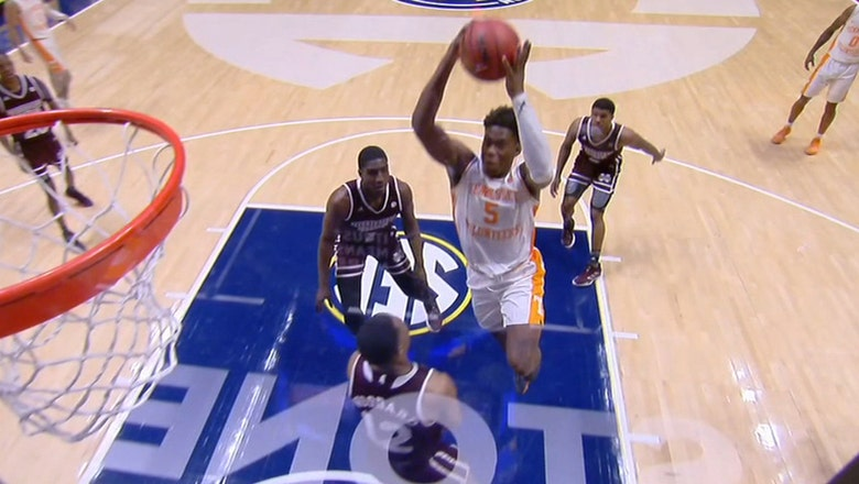 Schofield throws down massive dunk in No. 8 Tennessee's win over Mississippi State