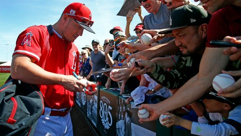 <p>               Los Angeles Angels' Mike Trout signs autographs prior to a spring training baseball game against the Kansas City Royals Friday, March 1, 2019, in Tempe, Ariz. (AP Photo/Ross D. Franklin)             </p>