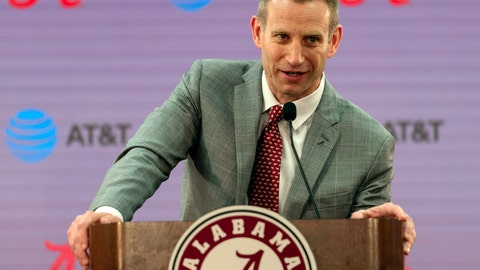 <p>               Nate Oats speaks after being introduced as the new men's college basketball coach for the University of Alabama, Thursday, March 28, 2019, in Tuscaloosa, Ala. (AP Photo/Vasha Hunt)             </p>