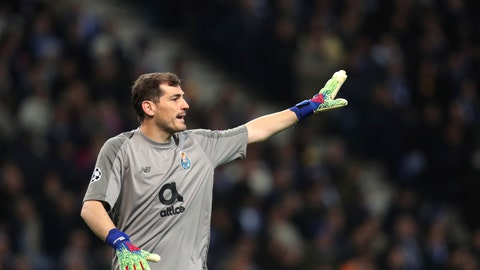 <p>               Porto goalkeeper Iker Casillas gestures during the Champions League round of 16, 2nd leg, soccer match between FC Porto and AS Roma at the Dragao stadium in Porto, Portugal, Wednesday, March 6, 2019. (AP Photo/Luis Vieira)             </p>