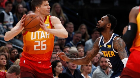 <p>               Utah Jazz guard Kyle Korver, left, looks to pass the ball as Denver Nuggets guard Will Barton defends during the first half of an NBA basketball game Thursday, Feb. 28, 2019, in Denver. (AP Photo/David Zalubowski)             </p>