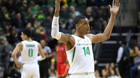 <p>               Oregon's Kenny Wooten gestures to the crowd at the end of the team's NCAA college basketball game against Arizona on Saturday, March 2, 2019, in Eugene, Ore. (AP Photo/Chris Pietsch)             </p>