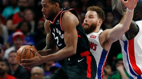 <p>               Toronto Raptors forward Kawhi Leonard (2) looks to pass as Detroit Pistons forward Blake Griffin defends during the second half of an NBA basketball game, Sunday, March 17, 2019, in Detroit. (AP Photo/Carlos Osorio)             </p>
