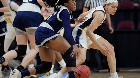 <p>               Rice's Erica Ogwumike, left, runs into Marquette's Selena Lott during the first half of a first round women's college basketball game in the NCAA Tournament Friday, March 22, 2019, in College Station, Texas. (AP Photo/David J. Phillip)             </p>