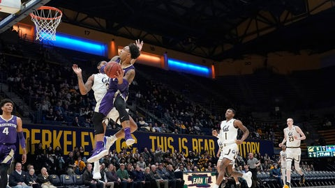 <p>               Washington guard David Crisp drives to the basket against California guard Paris Austin (3) during the first half of an NCAA college basketball game Thursday, Feb. 28, 2019, in Berkeley, Calif. (AP Photo/Tony Avelar)             </p>