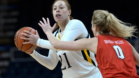 <p>               Quinnipiac forward Jen Fay (21) is defended by Marist guard Grace Vander Weide (0) during the first half of an NCAA college basketball game in the Metro Atlantic Athletic Conference women's tournament, Monday, March 11, 2019, in Albany, N.Y. (AP Photo/Hans Pennink)             </p>
