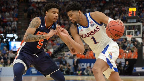 Auburn steamrolls Kansas to advance to Sweet 16