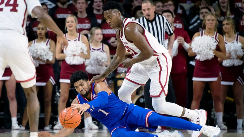 Kansas' Big 12 title streak ends at 14 years with 81-68 loss to Oklahoma