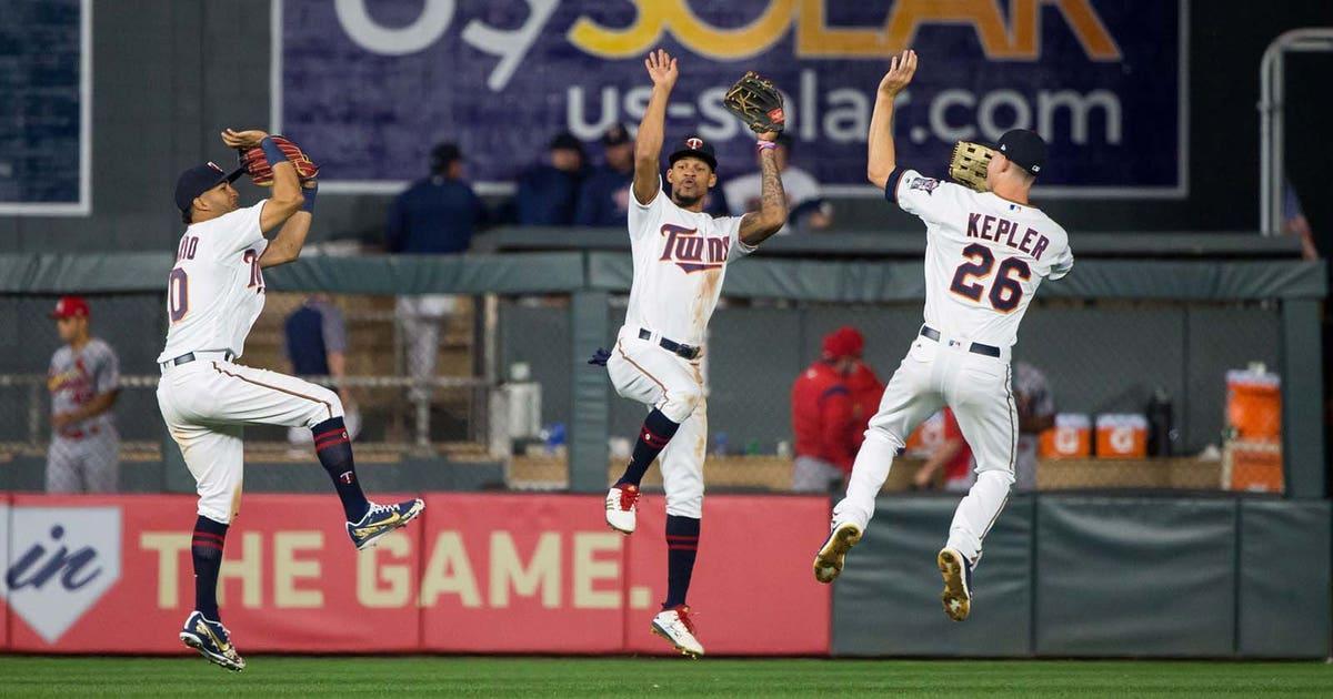 שחקני הטווינס חוגגים. צילום: foxsports.com