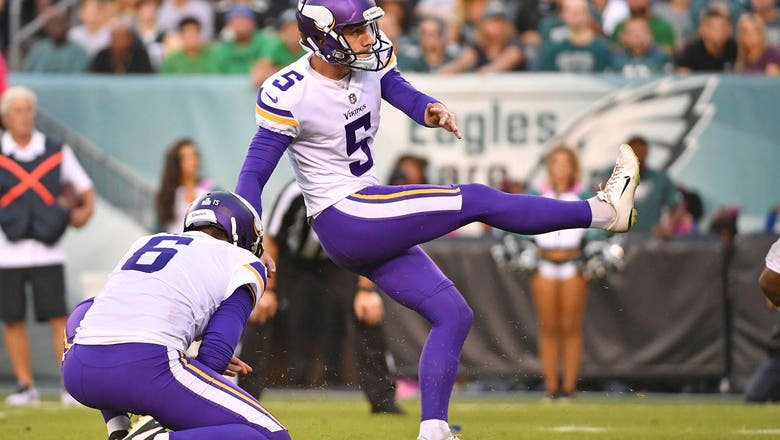 Vikings agree to terms with kicker Dan Bailey