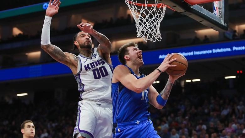 Dirk receives standing ovation in Sacramento, Mavericks fall to Kings