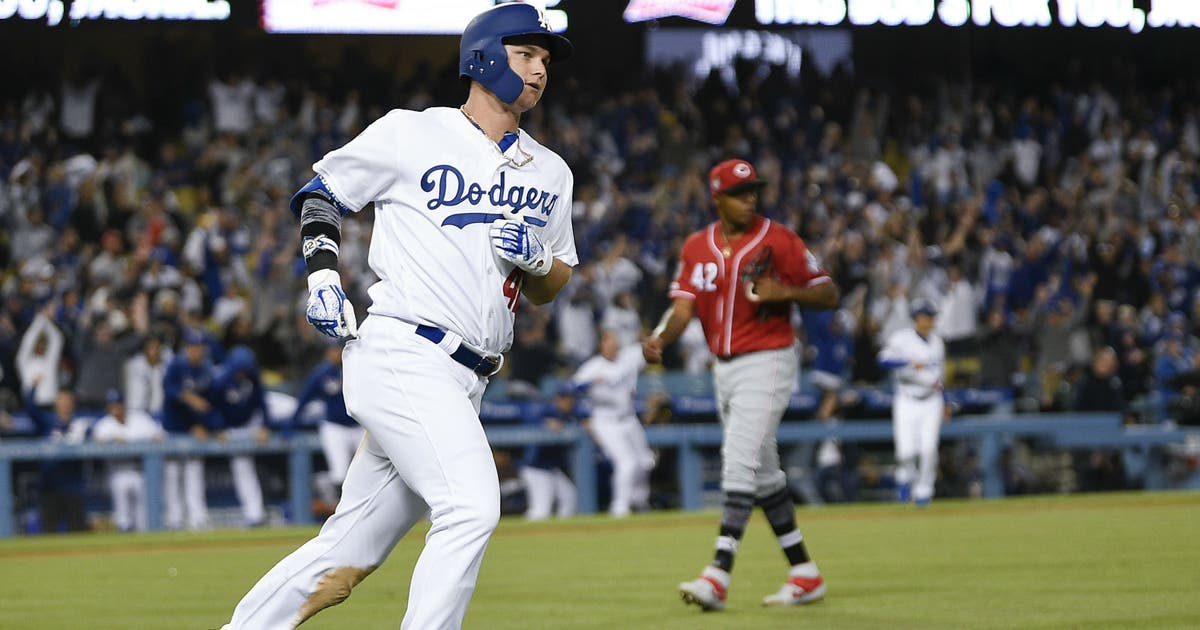Pederson's home run in 9th rallies Dodgers past Reds 4-3