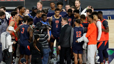 <p>               Auburn head coach Bruce Pearl talks to his team during a practice session for the semifinals of the Final Four NCAA college basketball tournament, Friday, April 5, 2019, in Minneapolis. (AP Photo/Matt York)             </p>