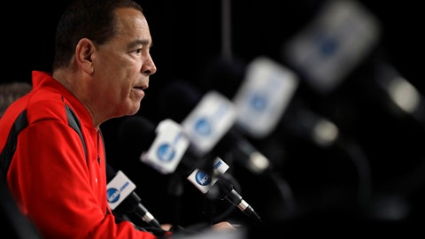 <p>               Houston head coach Kelvin Sampson speaks during a news conference at the NCAA men's college basketball tournament Thursday, March 28, 2019, in Kansas City, Mo. Houston plays Kentucky in a Midwest Regional semifinal on Friday. (AP Photo/Jeff Roberson)             </p>