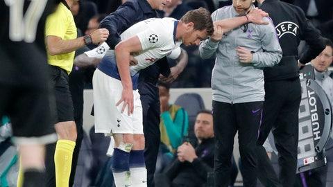<p>               Tottenham's Jan Vertonghen walks off the pitch with a head injury during the Champions League semifinal first leg soccer match between Tottenham Hotspur and Ajax at the Tottenham Hotspur stadium in London, Tuesday, April 30, 2019. (AP Photo/Frank Augstein)             </p>