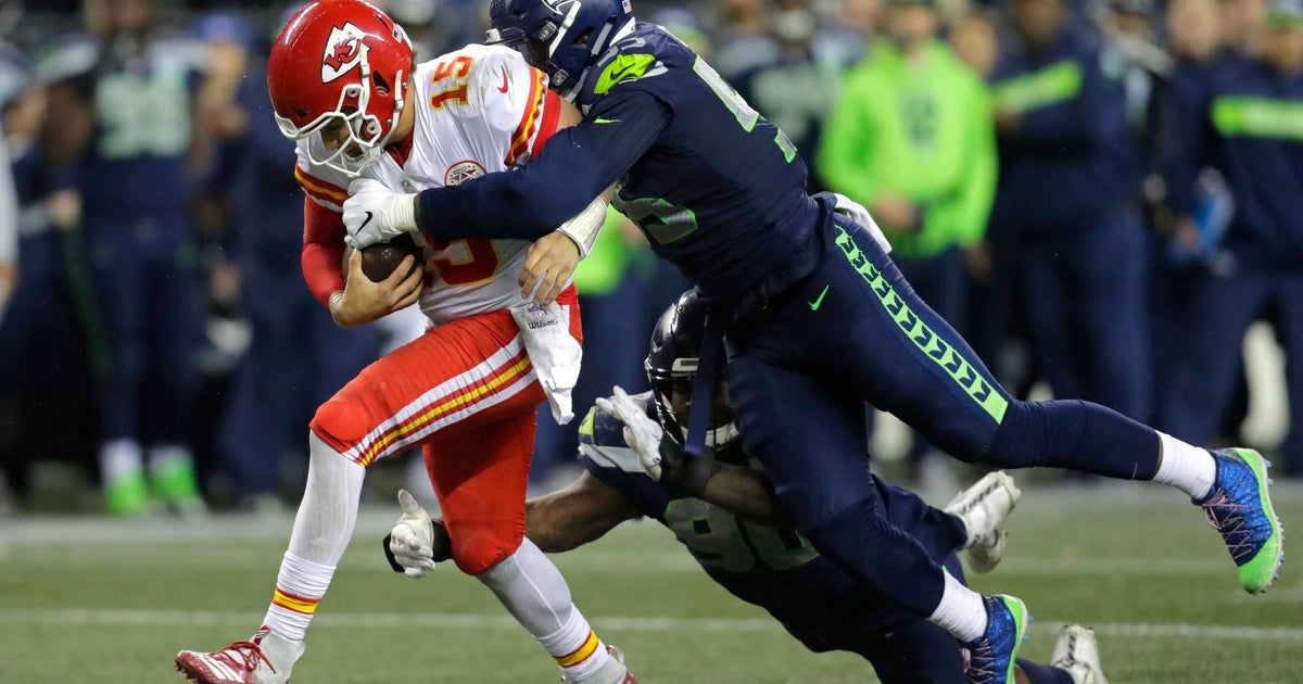 AP Source: Chiefs get Clark from Seahawks for 1st-round pick